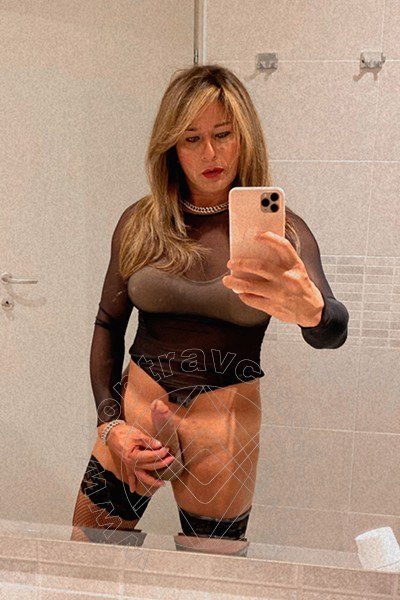 Trav Loryn Xl selfie hot Trav -3